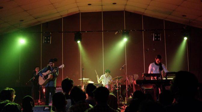 Konser Dialog Dini Hari di Rossi Fatmawati